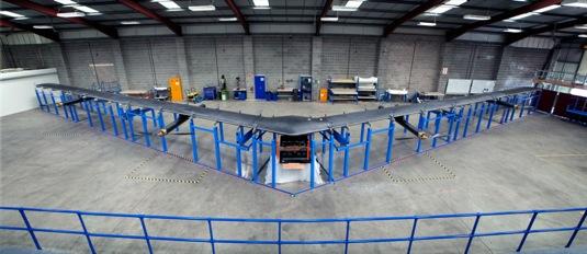 internetový létající dron - solární letadlo Aquila - společnosti Facebook
