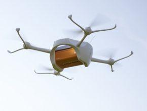 auto švýcarská pošta drony