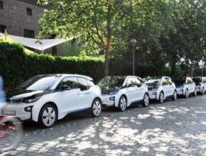auto elektromobily BMW i3 ve službě sdílení aut DriveNow