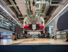 auto automobilka Tesla Motors továrna Fremont Kalifornie výroba elektromobilu Tesla Model S