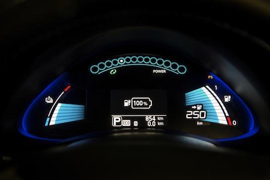 auto nový elektromobil Nissan Leaf 2016 s dojezdem 250 km a 30 kWh baterií se představí na autosalonu ve Frankfurtu