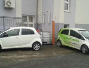 auto elektromobily Peugeot iOn na 44. srazu Peugeot clubu ČR