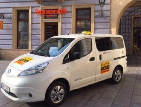 elektromobil Nissan e-NV200 jako první elektrické taxi v Brně