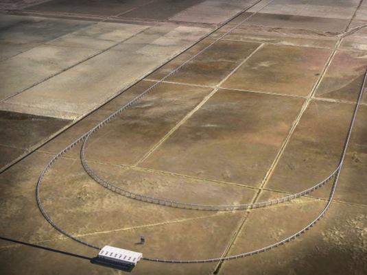 auto Hyperloop Hypersmyčka testovací dráha pátá dimenze dopravy