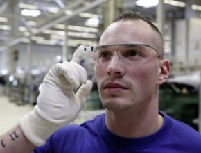 auto továrna brýle 3D datové výroba aut Volkswagen