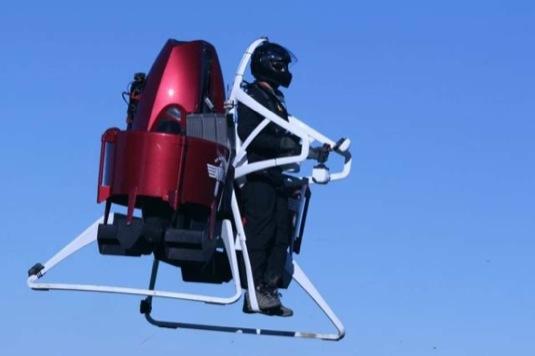 Jetpack neboli létající batoh společnosti Martin Aircraft