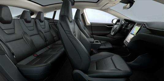 sedačky elektromobilu Tesla Model S