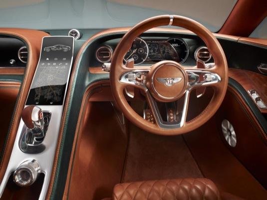 auto interiér Bentley plug-in hybrid EXP Speed 6