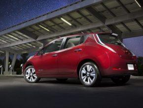 elektromobil Nissan Leaf ve verzi pro rok 2016 s 30kWh baterií a dojezdem až 250 km