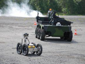 Roboti TAROS a ORPHEUS při experimentu s vizuální navigací