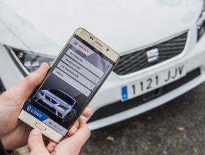 auto aplikace Seat mobilní telefon mobil Samsung