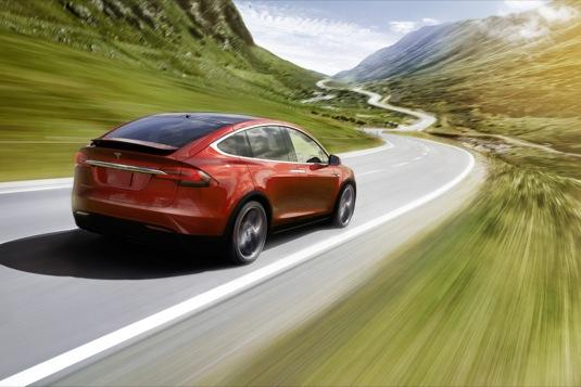 auto elektromobil Tesla Model X elektrické SUV