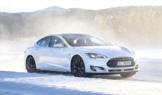 auto elektromobil Tesla Model S P100D se 100kWh baterií