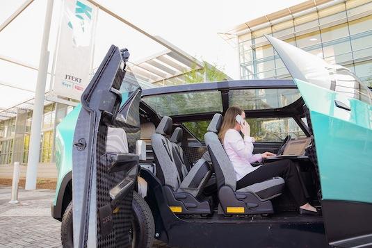 auto elektromobil Toyota uBox pro generaci Z