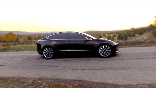 auto elektromobil Tesla Model 3 černá barva