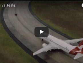 auto elektromobil Tesla Model S P90D proti letadlu Boeing 737