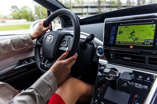 auto vodíkové auto Toyota Mirai test