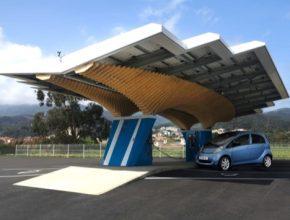 auto solární nabíjecí stanice Peugeot Parasol Driveco