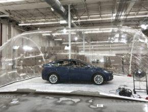 auto elektromobil Tesla Model X HEPA filtr biochemický útok