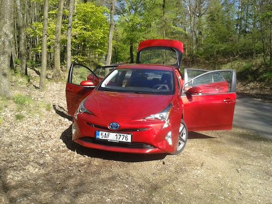 auto nová Toyota Prius 4. generace hybrid