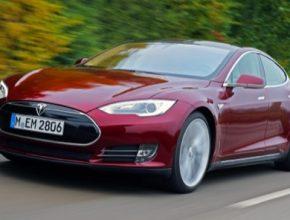 auto elektromobil Tesla Model S slaví 4. narozeniny 2012-2016