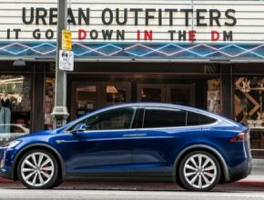 auto Tesla Model X elektromobil USA Kalifornie