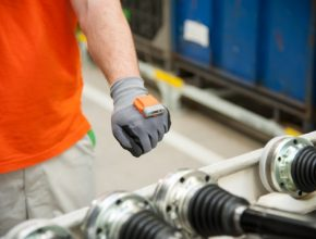 auto Škoda chytrá rukavice Smart Glove logistika