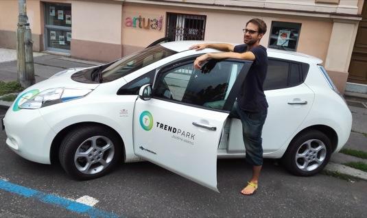 auto elektromobil Nissan Leaf Aleš Zahrádka cesta kolem Evropy TrendPark