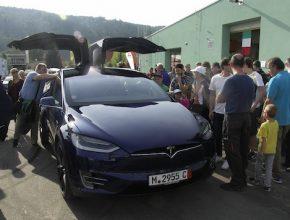 auto elektromobil Tesla Model X 5. ročník výstavy Elektromobilita 2016 Ústecký autosalon
