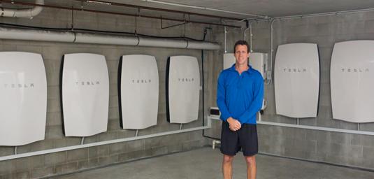 auto Tesla Powerwall domácí baterie úložiště Clayton Lyndon Austrálie