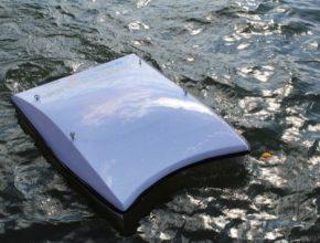 auto WasteShark mořský dron požírající plasty