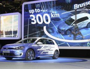 auto autosalon Paříž 2016 elektromobil Volkswagen e-Golf Touch 300 km dojezd