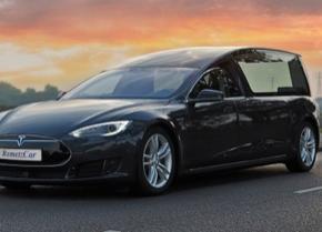 auto elektromobil Tesla Model S pohřební vůz RemetzCar