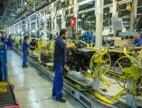 auto moderní automobilová továrna Ford Valencie Španělsko