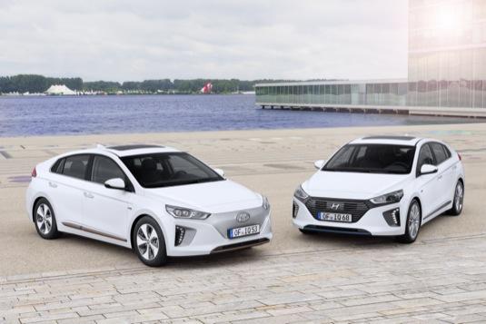 auto Hyundai Ioniq Electric a Hybrid