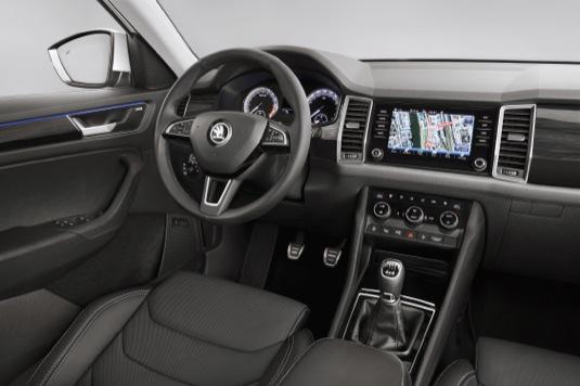 auto Škoda Kodiaq interiér konektivita