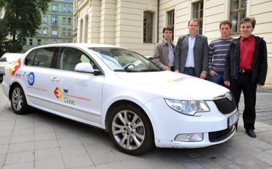 auto elektromobil přestavba Škoda Superbel
