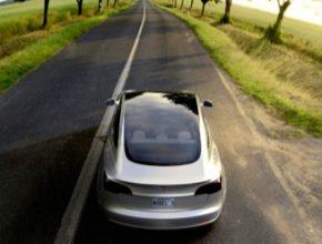 auto elektromobil Tesla Model 3 střecha Tesla Glass solární