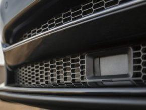 auto radar elektromobilu Tesla Model S
