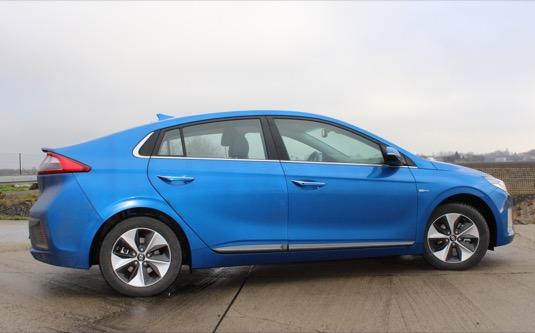 auto test elektromobilu Hyundai Ioniq Electric 2016