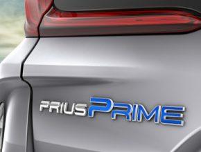 auto Toyota Prius Prime logo znak plug-in hybrid