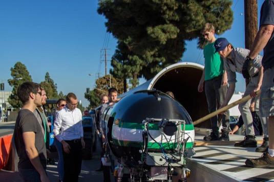 Soutěžní kapsle týmu Delft Hyperloop