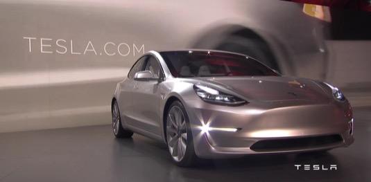 Tesla Model 3 elektromobil představení