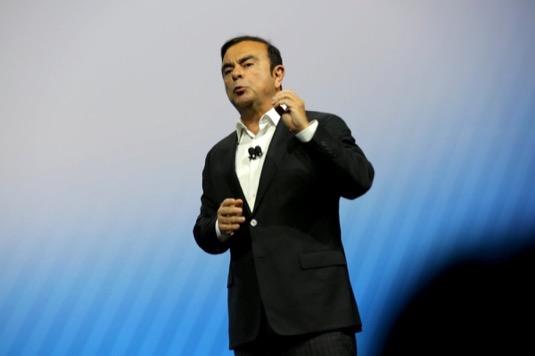 auto Carlos Ghosn končí jako výkonný ředitel Nissanu, bude se soustředit na Mitsubishi
