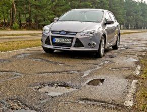 auto Ford testování technologie detekující výmoly