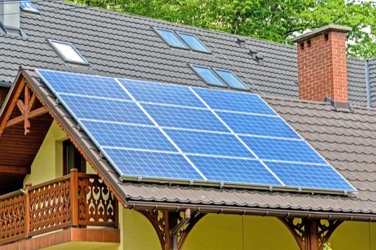 solární panely elektrárna energetika Česko