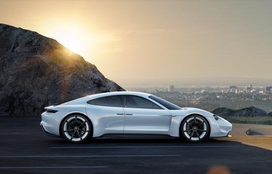 auto elektromobil Porsche Mission E