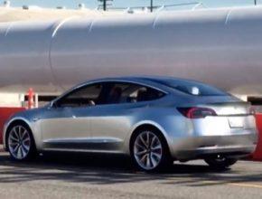auto elektromobil Tesla Model 3 prototyp SpaceX sídlo
