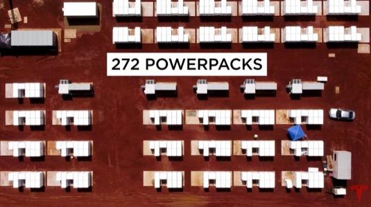 Průmyslová energetická úložiště Tesla Powerpack jsou konečně dlouho očekávanou revolucí v dosud zkostnatělém oboru elektroenergetiky. Protože dávají obnovitelným zdrojům smysl.