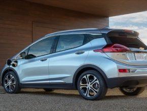 auto elektromobil Chevrolet Bolt EV se nabíjí